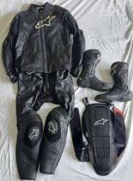 Macacão Motociclista 2PC, Bota e Protetor de coluna todos Alpinestar