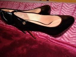 Sapato de salto marca VIZZANO..37