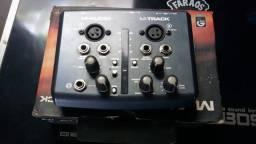 Interface de Áudio M-Audio M-Track