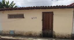 Vende - casa no Dias Macedo