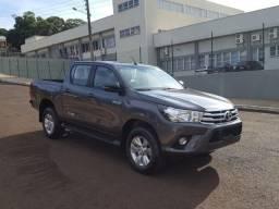 Toyota Hilux SRX 2.8 Diesel 2017 AT Cinza - 2017