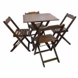 Mesas e Cadeiras Dobráveis de Madeira em 12X no Cartão