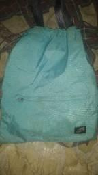 Bolsa e mochila Nike (leia a descrição)