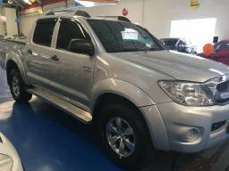 Hilux 2.7 CD SR 4x2 FLEX 2011 - 2010