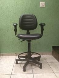 Cadeira Giratória com Braços
