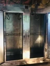 Torro camara frigorifica em inox enorme, 2200 litros, impecavel, funcionando,