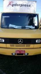 Caminhão Mercedes 710 - 1999