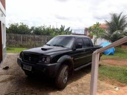 Vende - se uma L200 a diesel 2010 4x4 trassada - 2010