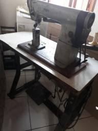 Maquina de costura 550 reais