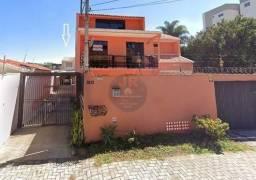 Sobrado 2 suítes a venda no Bacacheri, condomínio fechado, mobiliado
