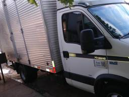 Iveco Daly 70c16 valor 56.000 - 2011