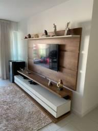 Painel com aparador para televisão