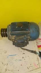 Motor eletrico trifasico de 7,5 cv