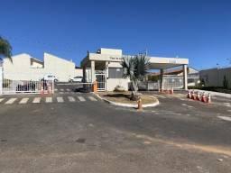 Casa 3/4 com Suíte - Condomínio Fechado de Casas - Flores de Goiás - Goiânia