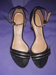 Vendo sandália original da vizzano