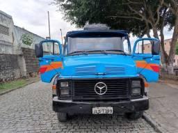 Título do anúncio: Caçamba Benz L1111