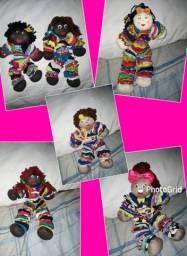 Vendo bonequinhas de pano apartir de $20,00 reais.