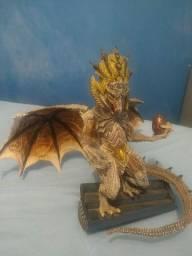 Action figure dragão