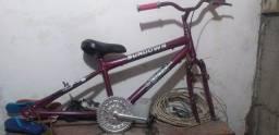 Bicicleta feminina reformada ( Leia o anúncio)