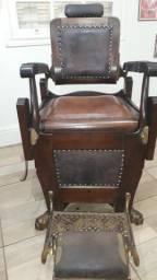 Cadeira de Madeira Pata de Leão Marca: Irmãos Campanile