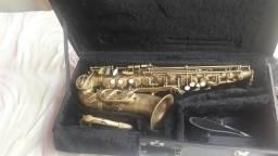 Saxofone desplacado