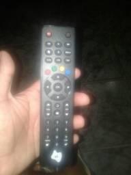 Vende se controles da Sky e oi tv