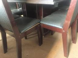 Jogo de mesa usado em mdf