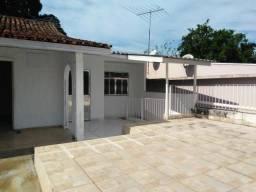 Código 122 - Alugo casa no Centro de Maricá para fins comerciais
