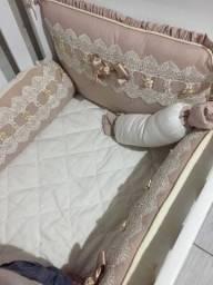 Kit berço completo  com saia de berço e cortina