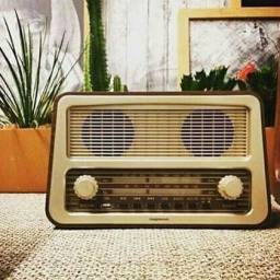 Radio amplificador de mesa Retrô