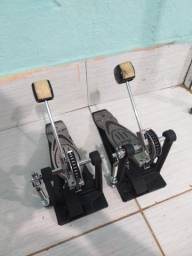 Dois Pedal pearl p900 simples