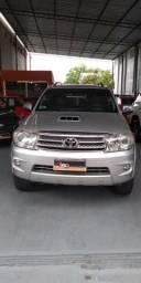 Vendo uma toyota sw4 srv diesel top automática sem benefício tributário liberada 2011/2011 - 2011