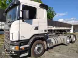 Scania R-440 / 2013 / traçada / automática / único dono