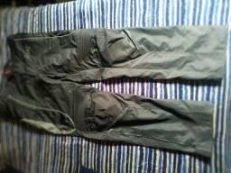 Vendo 2 calças X11, uma GG a outra p