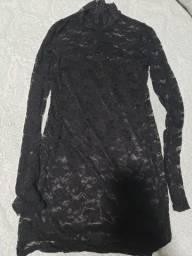 Vestido P preto renda manga longa