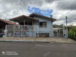 Casa de 2 pavimentos em São Gotardo de Flores da Cunha à venda