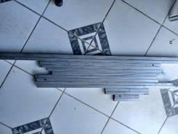 Metalon pedacos cortados