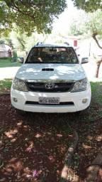 Toyota/ hillux w4 srv 4x4