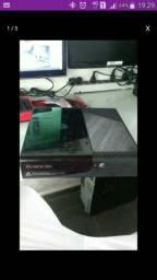 Xbox 360 com kinet e com um controle