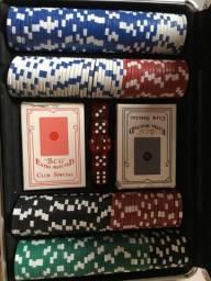 Vendo um jogo completo de Poker