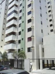 Apartamento com três quartos, sendo uma suite dependência completa, área de serviços