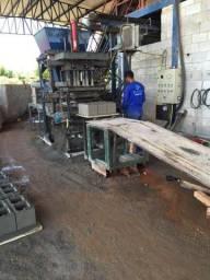 Máquina Blocos pneumática - 4000 blocos dia