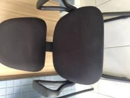 Cadeira fixa preta marca Marelli