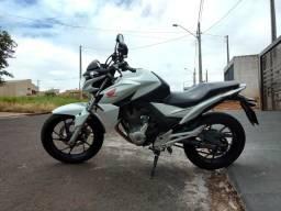 Moto Honda Twister 16/16 - 2016
