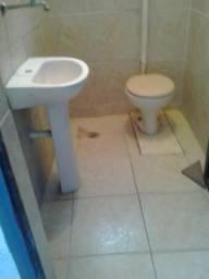 Sobrado de dois cômodos, com banheiro e lavanderia em Taboão, Guarulhos