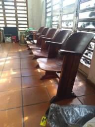 Cadeira de cinema antigo