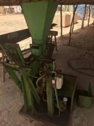 Maquinario para produção de tijolos ecologicos