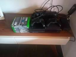 Vendo Xbox One seminovo