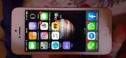 IPhone 5,32 gb ,tela trincada