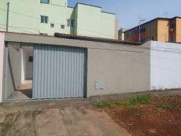 Casa 2/4, Rua 5, Vila Brasilia